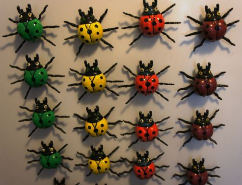 LADYBIRD FRIDGE MAGNETS - COLOURFUL FUN MOVING 3D WIGGLY INSECTS
